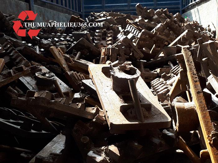 Thu mua sắt thép phế liệu tại Long An